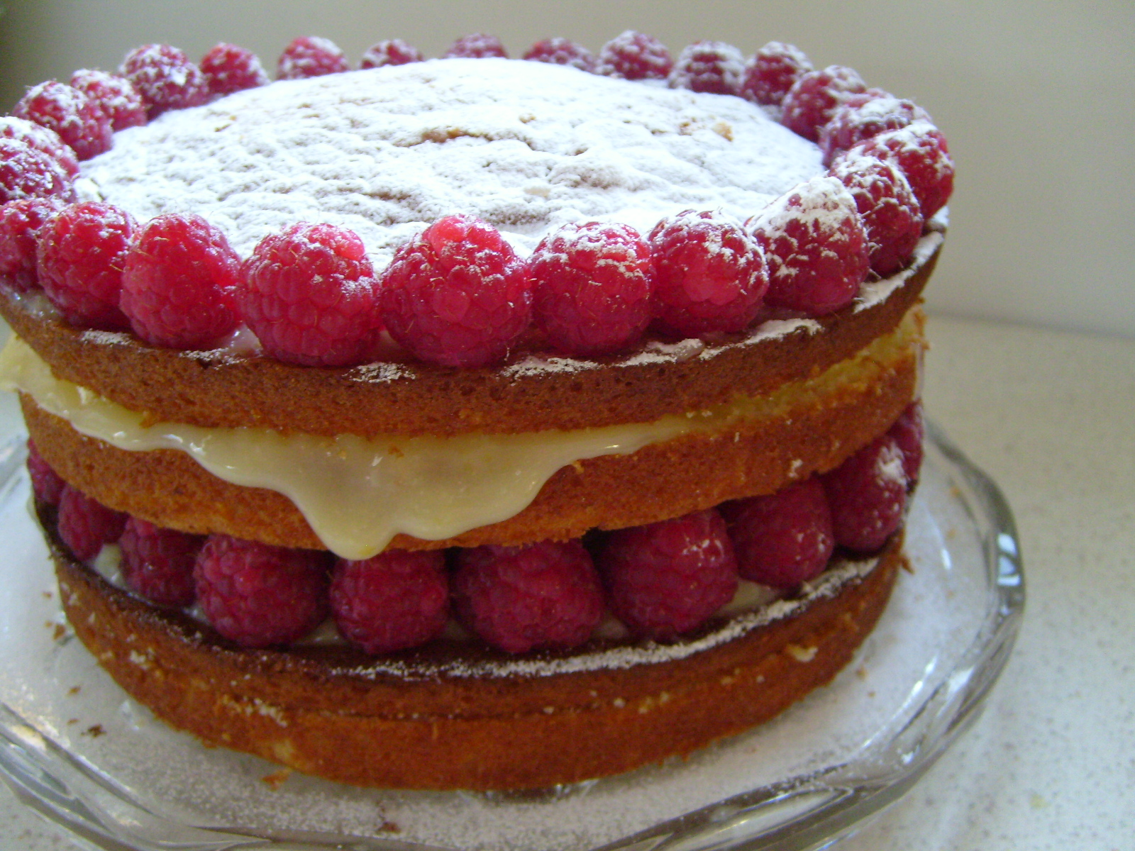 Fabulous Foodista Recipes Cooking Tips And Food News Queen Raspberry Personalised Birthday Cards Veneteletsinfo