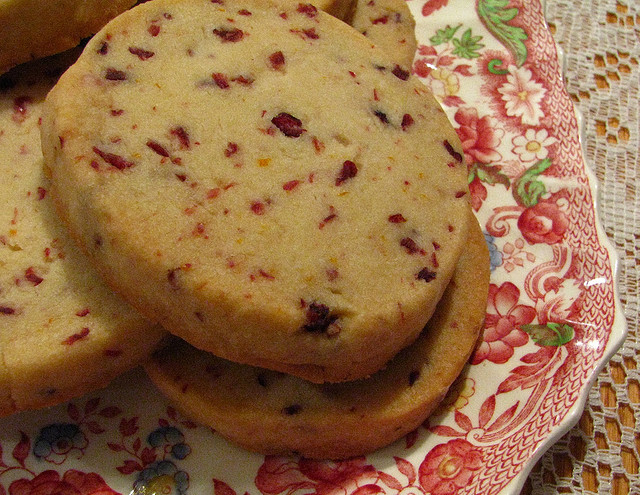 Easy Cranberry Pound Cake