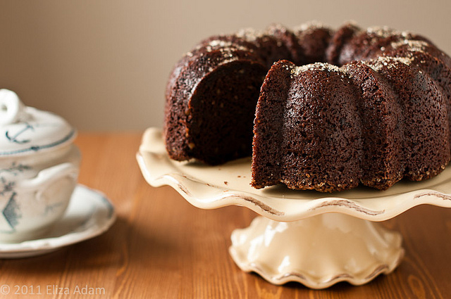 Chocolate Bundt Cake With White Frosting