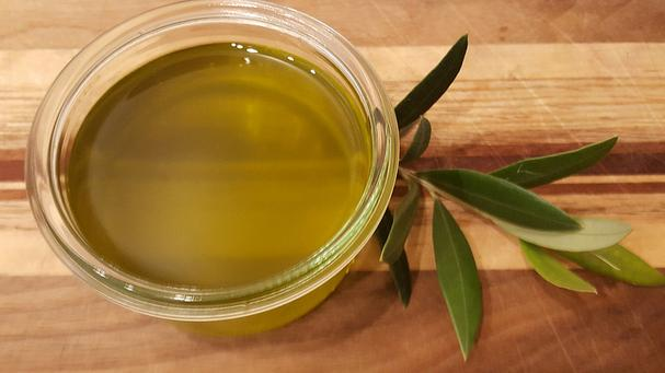 Extra Virgin Olive Oil And Water Natural Hair