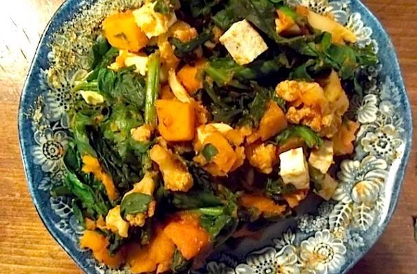 """Image of """"ek Lardki"""" Masala Squash Aur Phool Gobi Ka Curry, Foodista"""