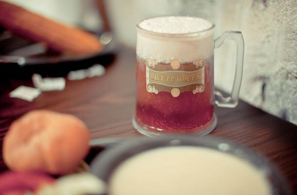 Foodista Recipes Cooking Tips And Food News Harry Potter Non Alcoholic Butterbeer