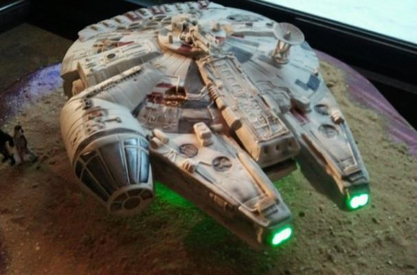 Millennium Falcon wedding cake
