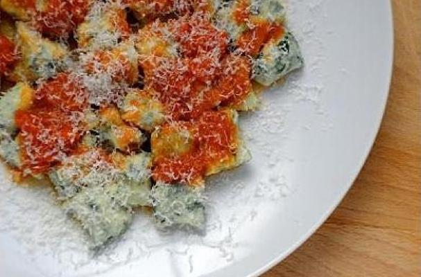 Spinach and Ricotta Gnudi With Tomato-Butter Sauce