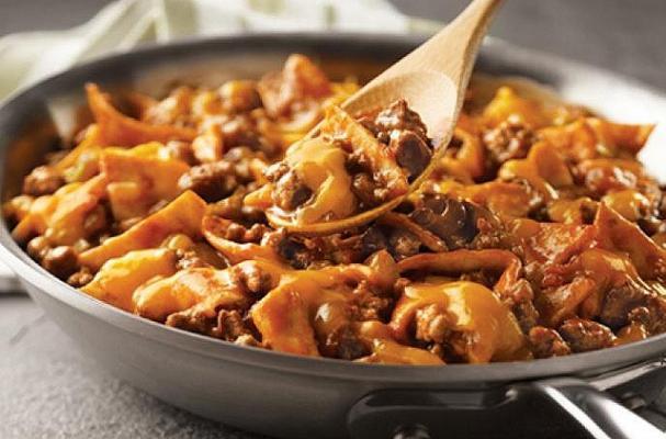 Foodista | Easy Dinner Recipe: Cheesy Beef Taco Skillet