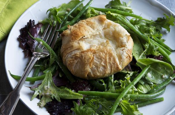 Foodista Ina Garten S Make It Ahead French Green Bean With Warm Goat Cheese Salad Recipe
