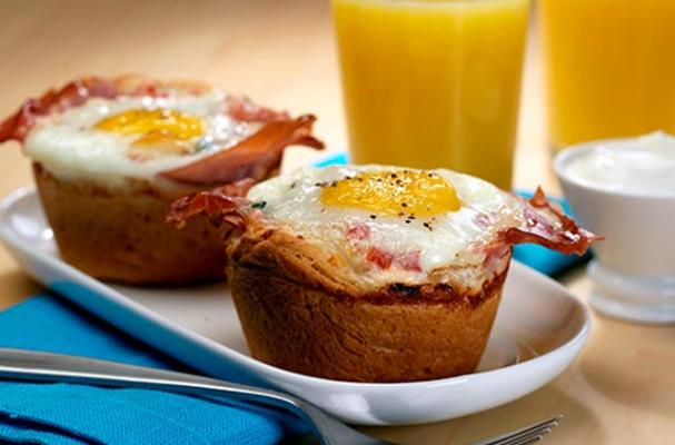 Prosciutto and Egg Biscuit Cups
