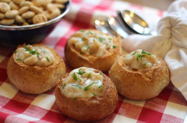 Foodista | Easy Mini New England Clam Chowder Bowls