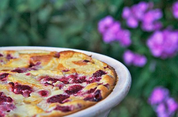 Foodista | Easy Dessert Recipe: Raspberry Peach Clafoutis