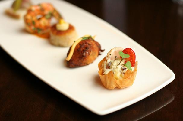 Foodista royal wedding feast menu features canapes only for Wedding canape menu