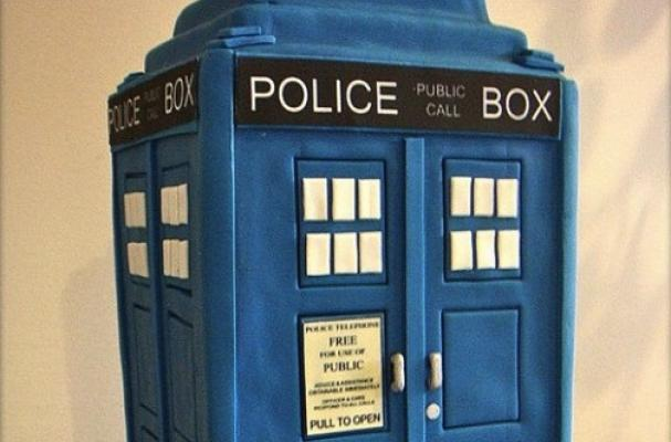 Foodista The TARDIS Cake is an Edible Doctor Who Time Machine