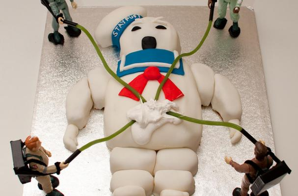Fabulous Foodista Stay Puft Birthday Cake Depicts A Grisly Scene Funny Birthday Cards Online Alyptdamsfinfo