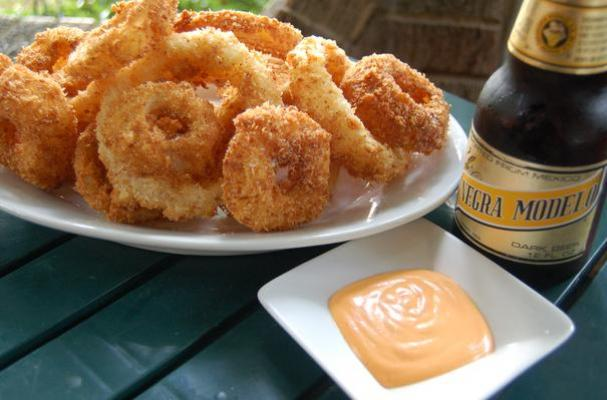 Foodista | To Die For Buttermilk Onion Rings With Sriracha Sauce