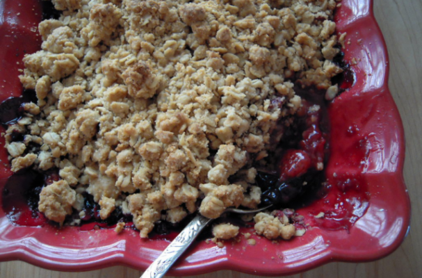 allergy free maple berry crisp