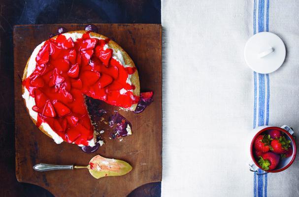 Dutch Oven Danish Cake