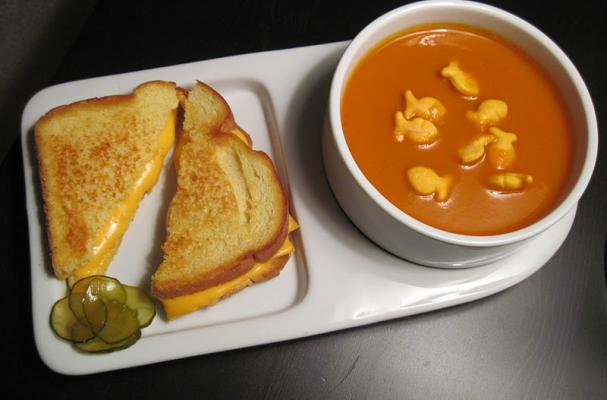 Foodista The Soup And Sandwich Plate Is A Comforting Platter
