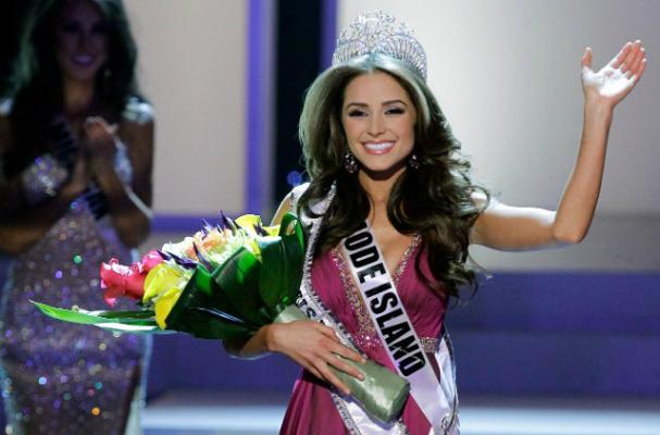 Olivia Culpo Celebrates Miss USA Win With a Cheeseburger