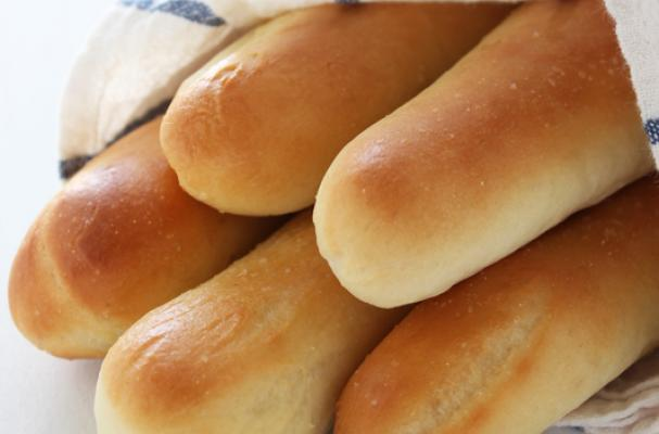 Foodista 3 copycat bread recipes to begin your meal - Olive garden breadsticks nutrition facts ...