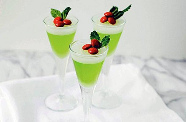 Mistletoe Jelly Shots