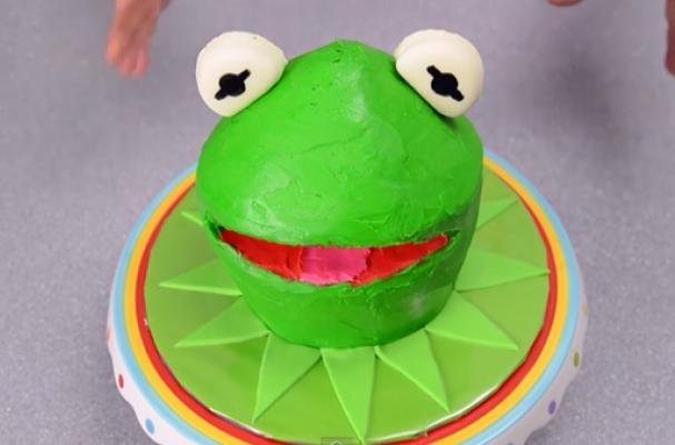 Foodista Do It Yourself Kermit The Frog Cake