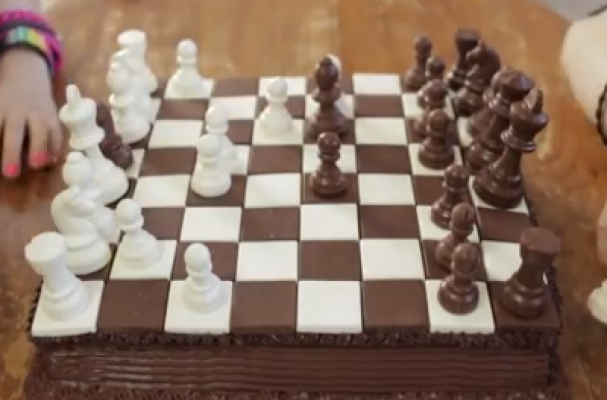 Foodista Must See Chocolate And Vanilla Chess Cake