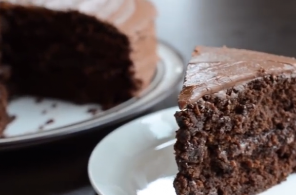 Foodista | A Gluten-Free and Vegan Chocolate Cake You'll Want to Bake