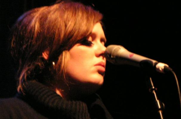 Adele Gave Up Smoking, Drinking and Spicy Foods When Suffering From Laryngitis