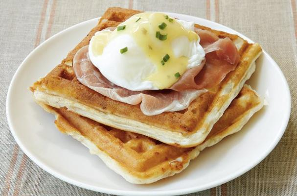 Easy Buttermilk Waffle Eggs Benedict