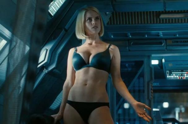 Alice Eve Talks 'Star Trek' Diet
