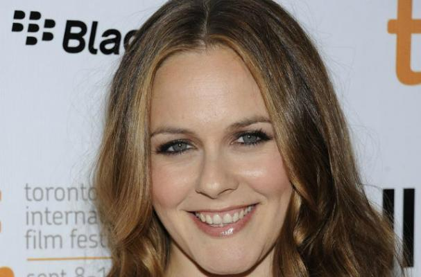 Alicia Silverstone Offers Advice on Vegan Dating