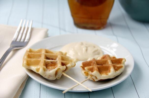 chicken-waffle-pops
