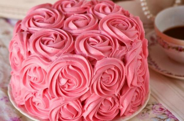 Rose Day Cake Images : Foodista A Rose Cake is Better Than a Dozen Roses for ...