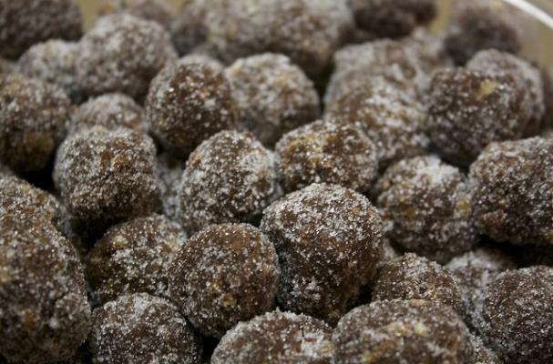 Foodista | Kentucky Bourbon Balls are a Classic Derby Dessert