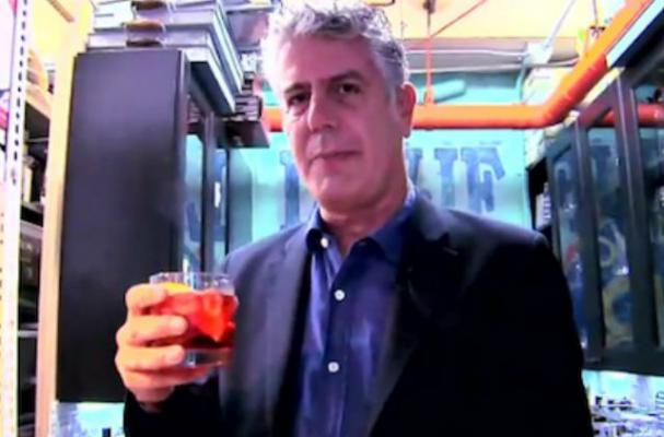 Anthony Bourdain Makes a Negroni on 'Late Night with Jimmy Fallon'