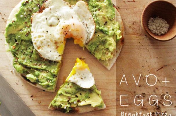 Avo and Eggs Pizza
