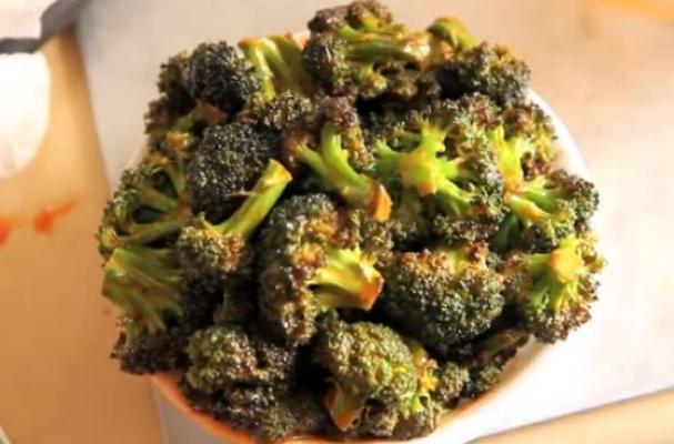 Vegan Treat: American Deli Buffalo Wings Flavored Roasted Broccoli