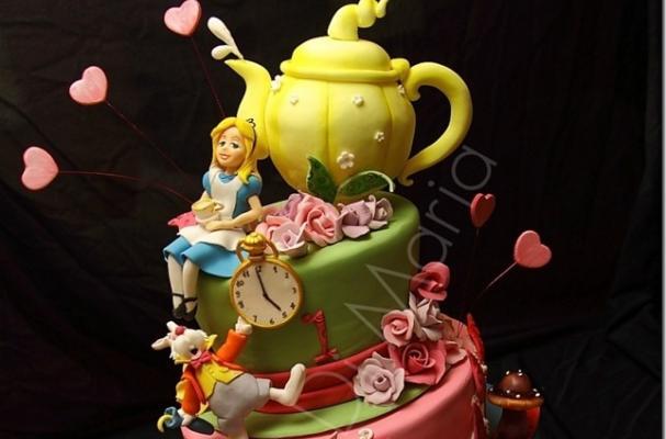 Alice in Wonderland Topsy Turvy Cake The Alice in Wonderland Cake