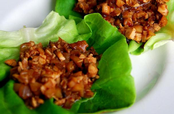 Foodista | Spicy Chicken and Basil Lettuce Wraps