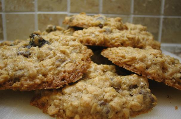 Foodista | Old Fashioned Oatmeal Raisin Cookies