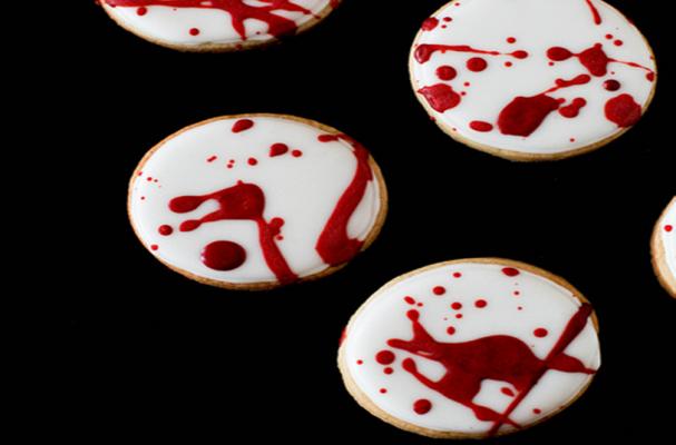 Foodista Gruesome Blood Splatter Cookies
