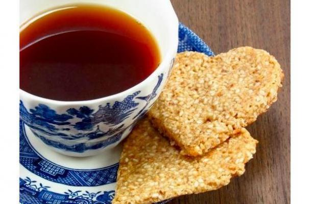 Honey Sesame Crisps