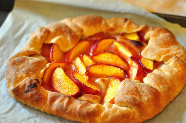Foodista   Rustic Peach Crostata