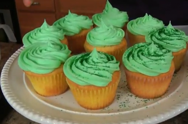 Foodista Shamrock Shake Cupcakes