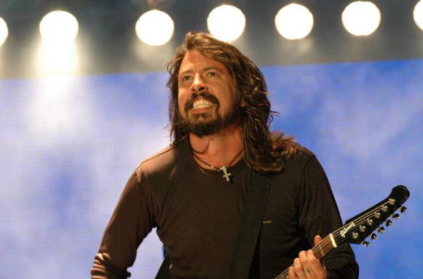 Dave Grohl Gives $2000 Tip During Memorial Day Weekend