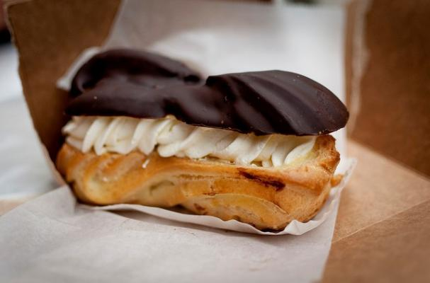 Foodista | Easy Chocolate Eclairs