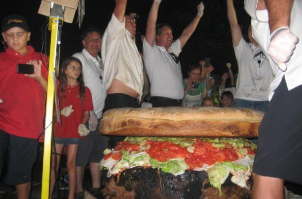 777 pound hamburger