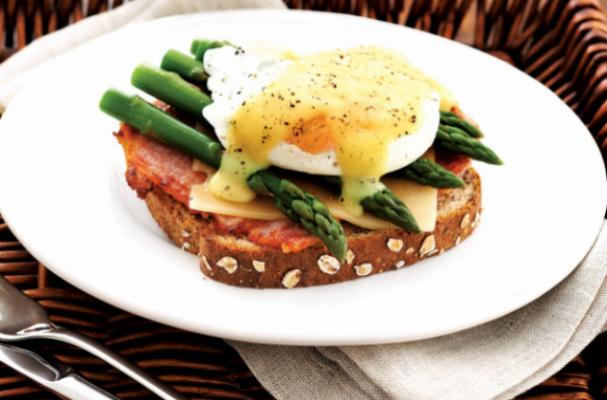 Foodista | Eggs Benedict With Asparagus