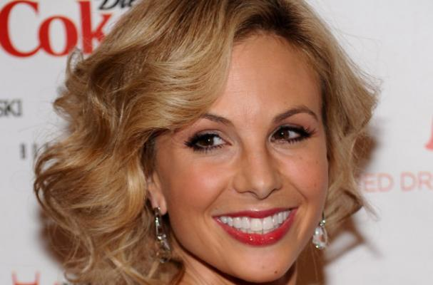 Elisabeth Hasselbeck Backs Gwyneth Patlrow's New Diet Book