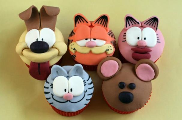 Garfield Cupcakes Detailed with Edible Pen