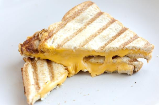 Infographic: How to Make a Grilled Cheese Sandwhich